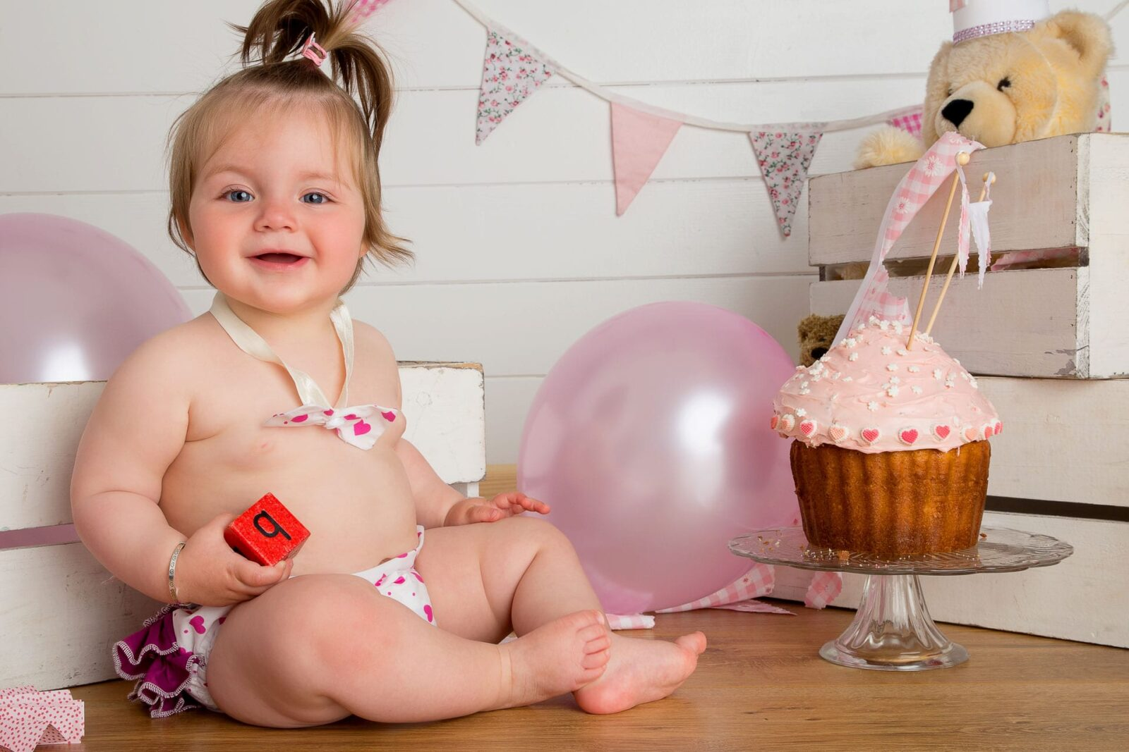 Cake_Smash_5_Zoom_Photography_Studio